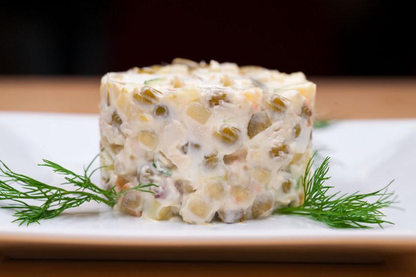 Sałatka ziemniaczana z jajkiem /123RF/PICSEL