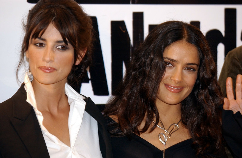 Salma Hayek upiera się, że nie ostrzegła swojej przyjaciółki przed Weinsteinem z troski o jej karierę aktorską /Associated Press /East News