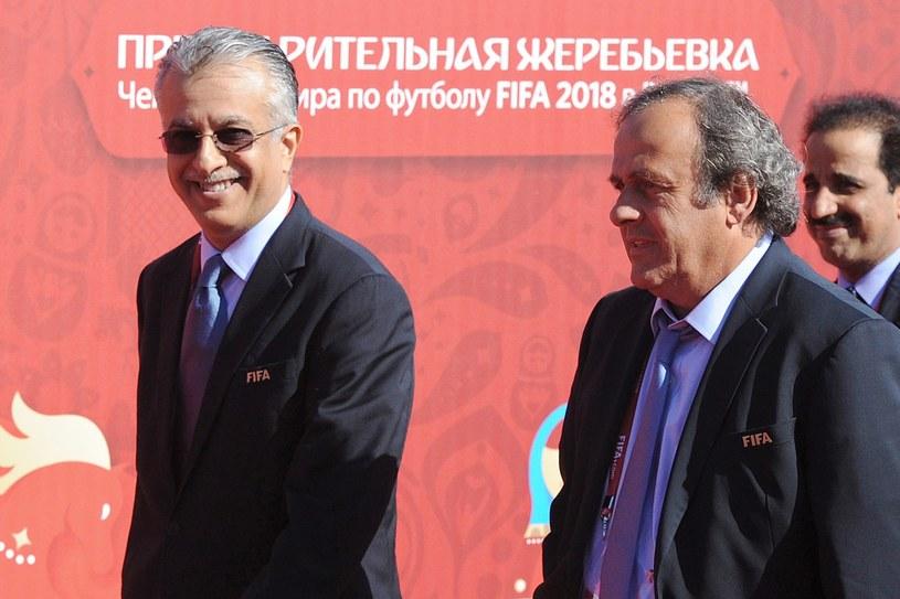 Salman ibn Ibrahim Al Khalifa (z lewej) i Michel Platini /AFP