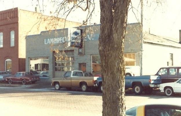 Salon Chevroleta przestał spełniac standardy /