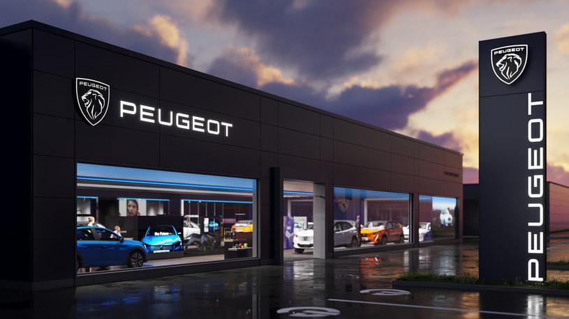 Salon Peugeota z nowym logo /