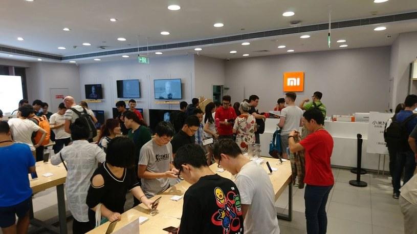 Salony Mi Store to ogólnoświatowa sieć autoryzowanych punktów ze sprzętem chińskiej firmy /INTERIA.PL