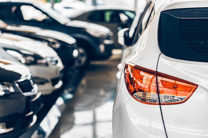 Salony samochodowe staną się niepotrzebne? /123RF/PICSEL