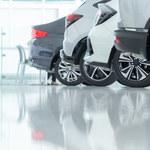 Salony samochodowe z ponad 40-proc. spadkiem ruchu