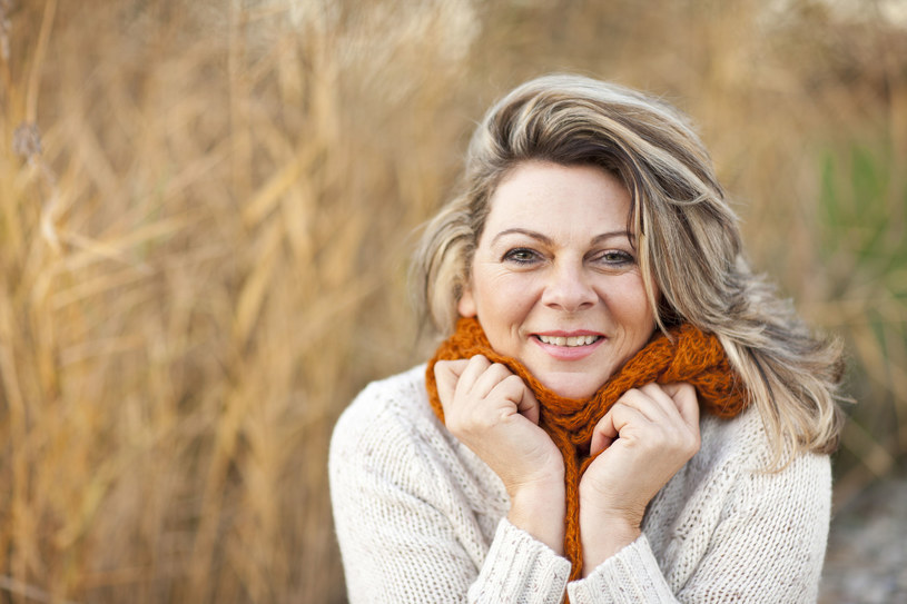 """""""Sam fakt, że menopauza wystąpi w 55. roku życia, gdy populacyjnie pojawia się kilka lat wcześniej, to nie jest problem medyczny"""" /123RF/PICSEL"""