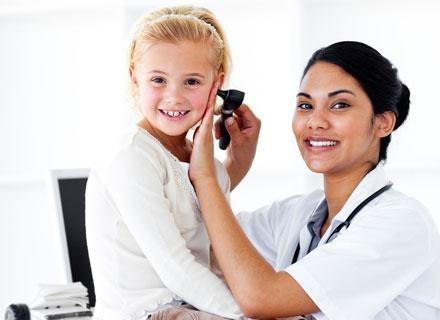 Sama budowa uszu u dzieci sprzyja rozwojowi zapalenia /© Panthermedia