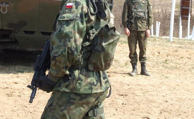 Samobójstwo dwóch żołnierzy z bazy lotniczej w Świdwinie. Prokuratura wyjaśnia