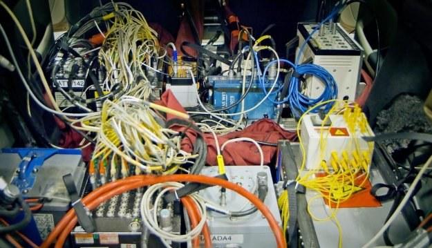 Samochód elektryczny to skomplikowana rzecz /