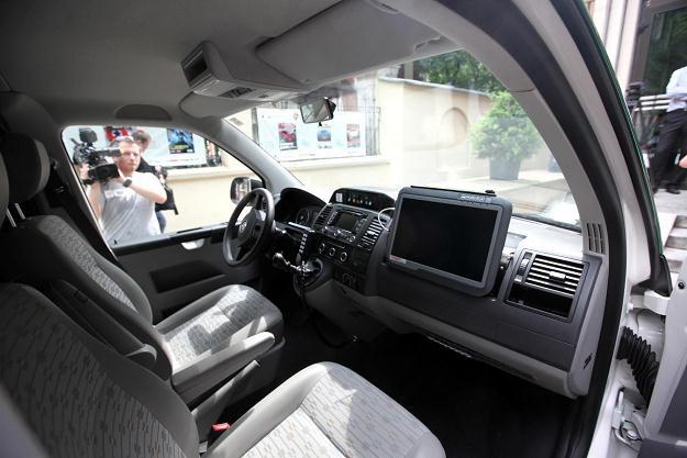Samochód Inspekcji Transportu Drogowego wyposażony w system firmy viaTOLL /PAP