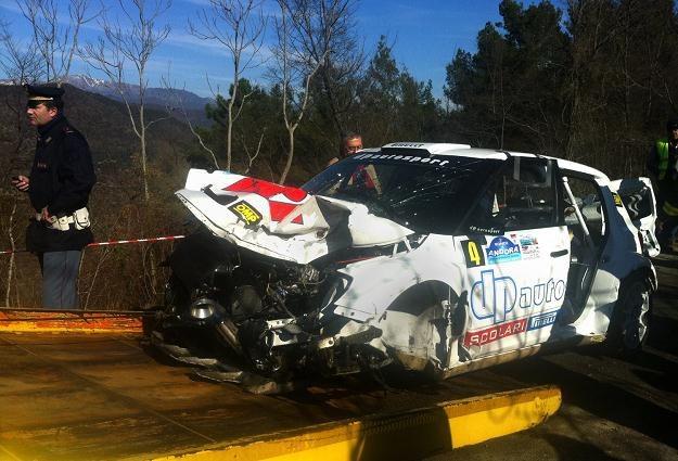 Samochód Kubicy po wypadku /AFP