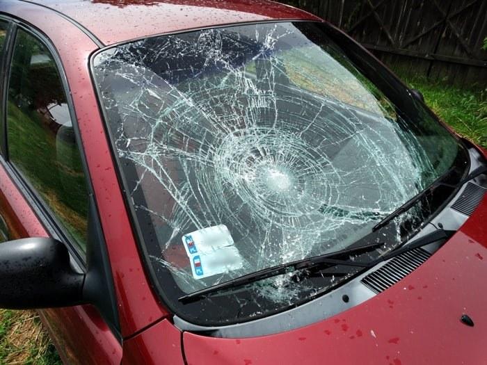 Samochód miał wyraźne ślady po wypadku /Policja Wyszków /