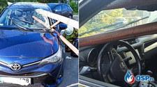 Samochód nadział się na szlaban. Metalowa rura przebiła pojazd