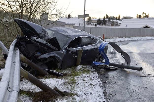 Samochód Pettera po wypadku. /AFP