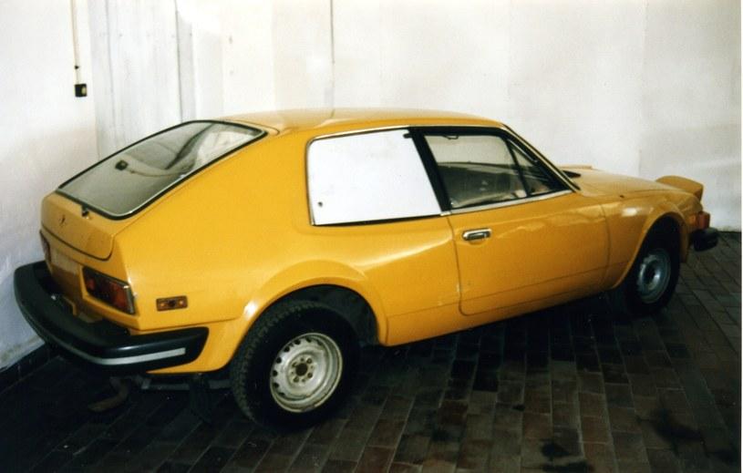 Samochód prototypowy FSO Ogar 1500 w zbiorach Muzeum Techniki w Warszawie. Fotografia z roku 2002. /