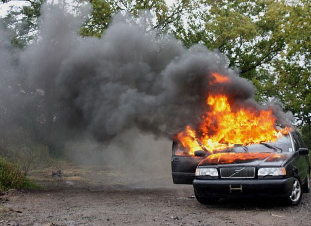 Samochód stanął w ogniu na jednej ze stacji benzynowych w Portland / Zdjęcie ilustracyjne /123RF/PICSEL