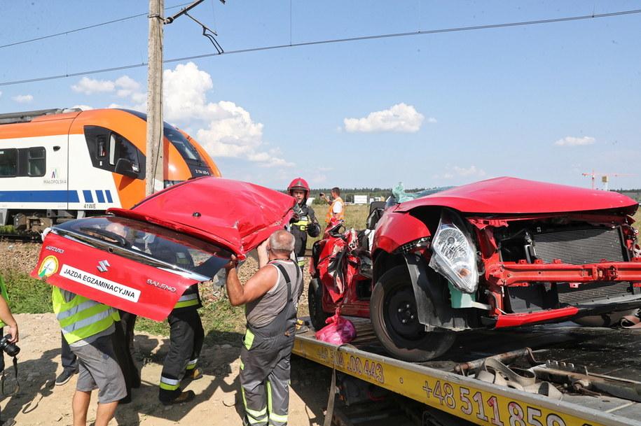Samochód, w którym odbywał się egzamin na prawo jazdy, zderzył się z pociągiem / Grzegorz Momot    /PAP