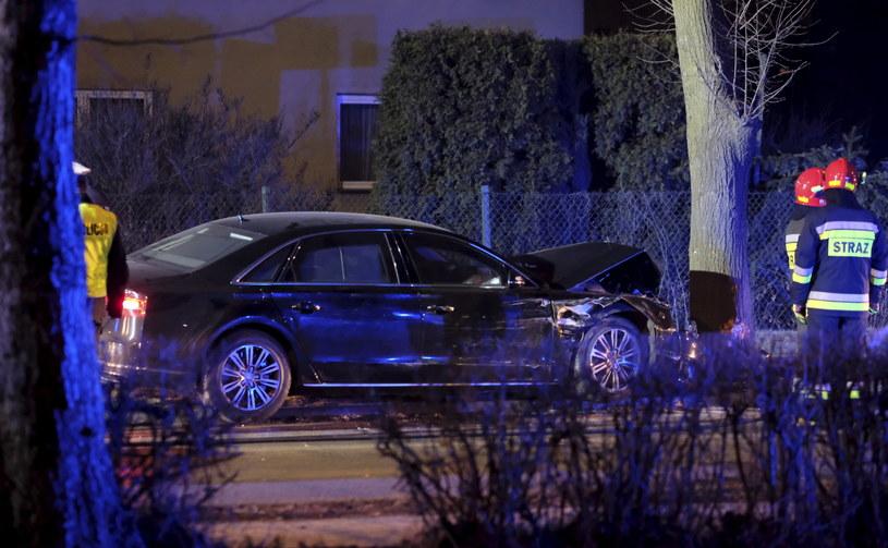 Samochód wiozący Beatę Szydło zderzył się z drzewem /Andrzej Grygiel /PAP