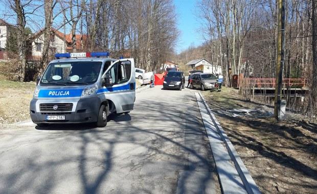 Samochód wjechał w dwie kobiety w Rychwałdku. Zginęły na miejscu