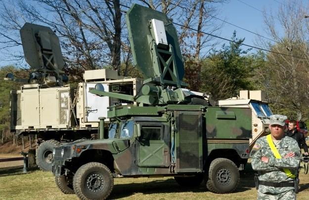 Samochód wojskowy z systemem ADS /AFP