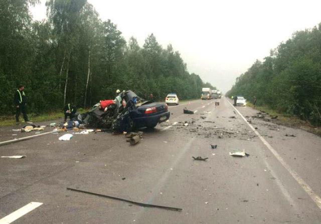 Samochód z ukraińskimi ekspertami zjechał na przeciwległy pas ruchu /npu.gov.ua /