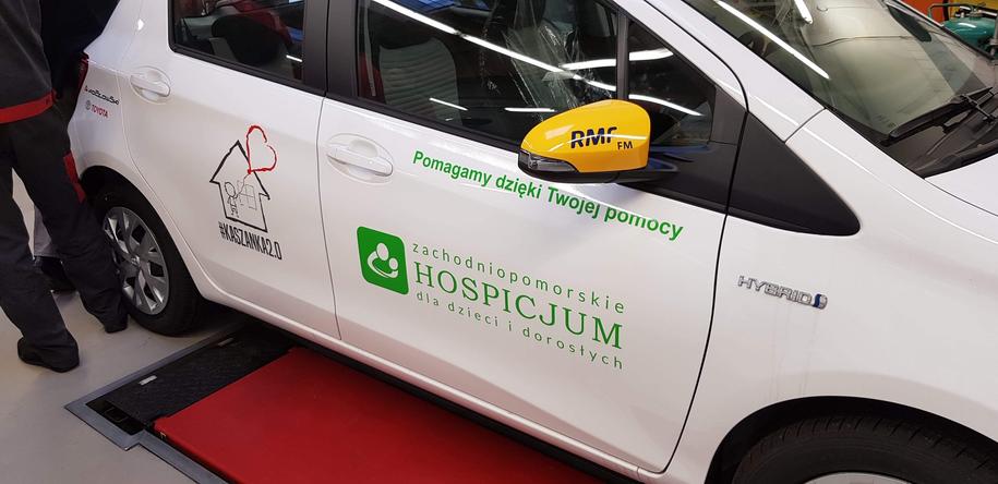 Samochód zakupiony dla hospicjum /Paweł Żuchowski /RMF FM