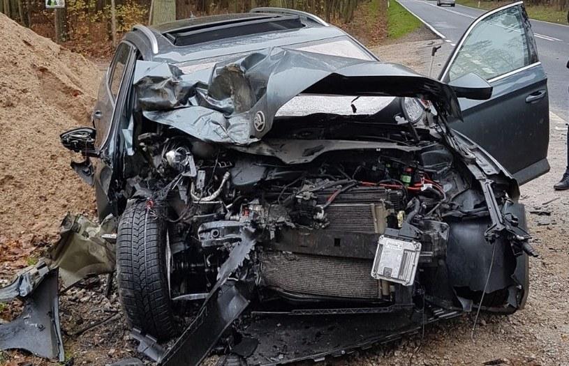Samochód został mocno zniszczony /Policja