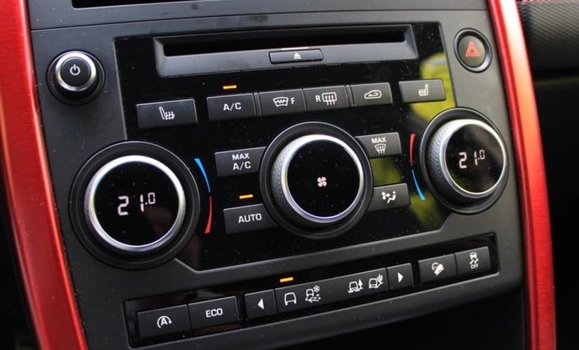 Samochodu na postoju nie wolno chłodzić również w Polsce /INTERIA.PL