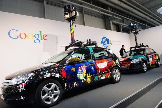 Samochody i rowery Google wykonywały zdjęcia latem 2011 roku /AFP