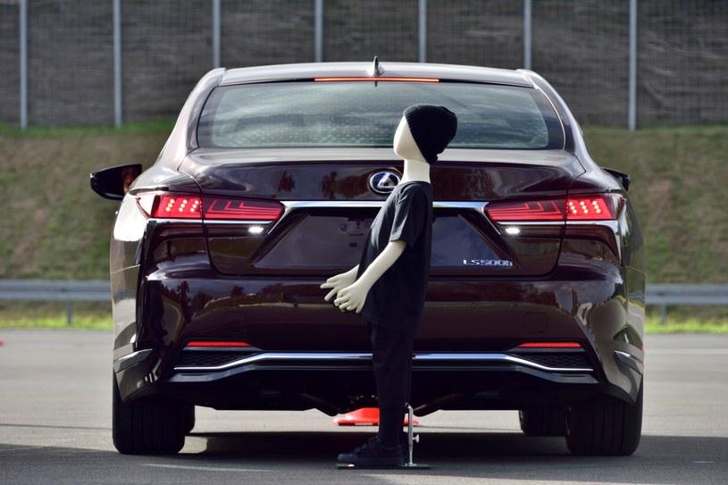 Samochody mają też wspomagać kierowcę /