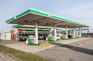 Samochody na minuty na stacjach benzynowych