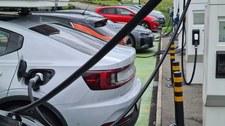 Samochody na prąd emitują o 29 proc. mniej CO2 od ich spalinowych odmian