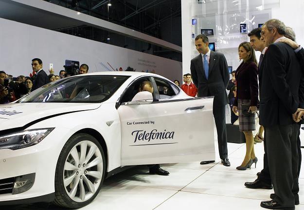 Samochody na targach elektroniki nikogo już nie dziwią /AFP