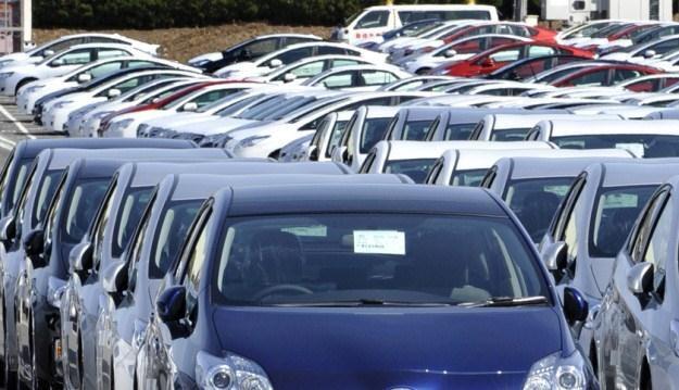 Samochody nie zawsze trzeba kupować /AFP
