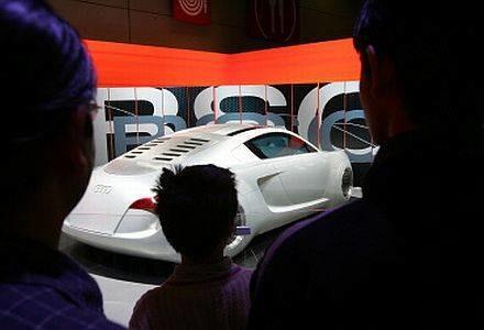Samochody-roboty będą nas wozić około 2030 roku /AFP