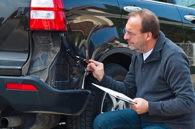 Samochody są niezmiennie podstawowym celem zainteresowania grup wyłudzających odszkodowania /© Panthermedia