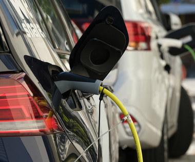 Samochody spalinowe mają być droższe niż elektryczne