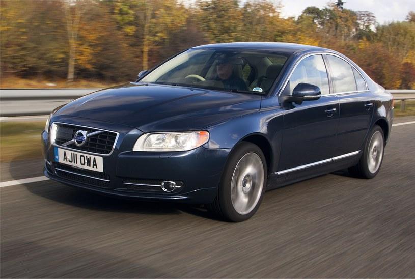 Samochody z Anglii przyciągają niską ceną, ale odstraszają niewygodą użytkowania /