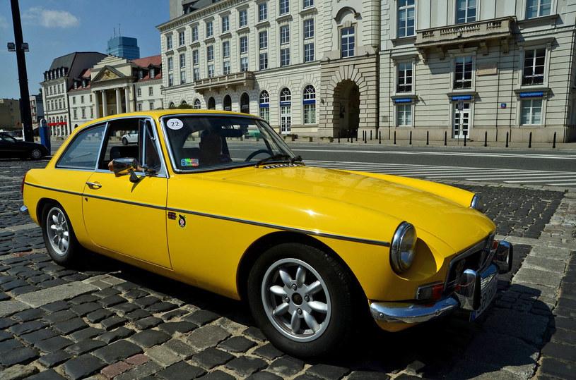 Samochody zabytkowe cieszą się w Polsce coraz większym zainteresowaniem /Mariusz Graczyński /East News
