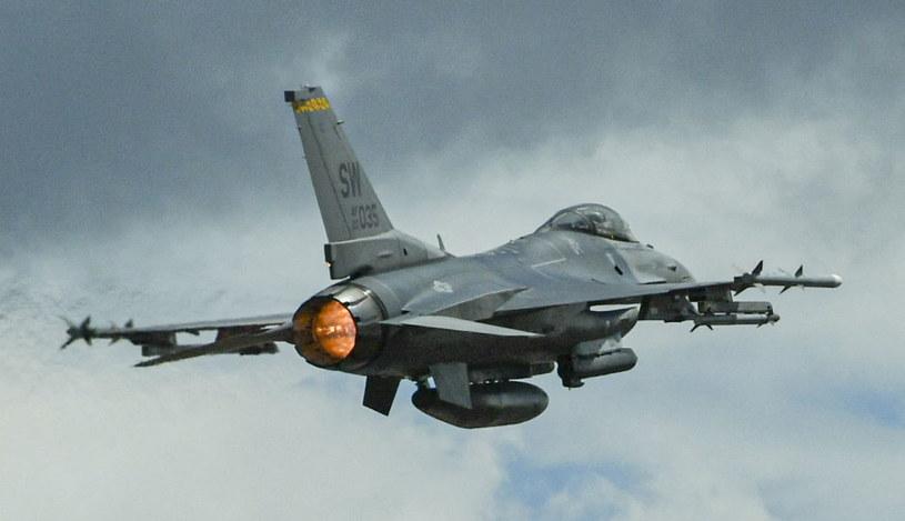 Samolot F-16 /AFP