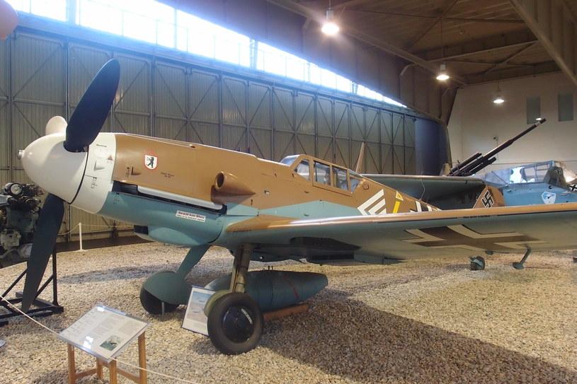 Samolot myśliwski Messerschmitt Bf-109 G. Eksponat z Luftwaffenmuseum der Bundeswehr w Berlin-Gatow. /