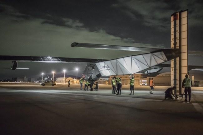 Samolot Solar Impulse 2 przed startem /SOLAR IMPULSE / JEAN REVILLARD / REZO / HANDOUT /PAP/EPA