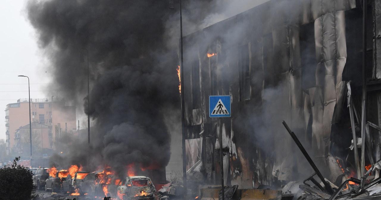 Samolot uderzył w budynek w Mediolanie