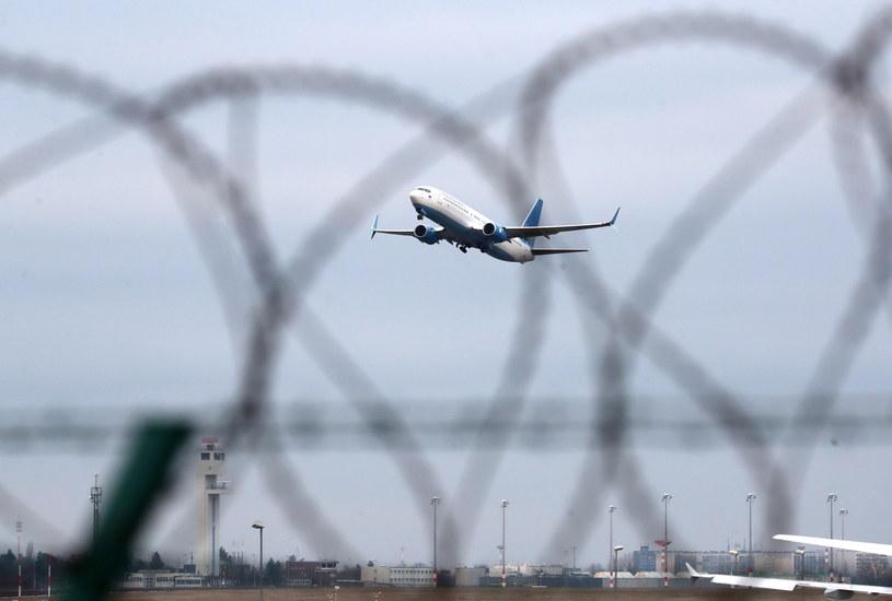 Samolot z Aleksiejem Nawalnym wylądował w Moskwie /PAP