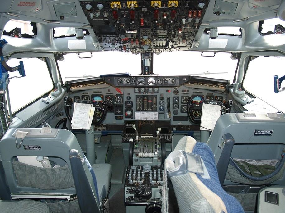 Samoloty AWACS są typowo zadaniowe. Ich wnętrze w niczym nie przypomina maszyn rejsowych /fot. chor. Jacek Grzeskowiak /Materiały prasowe