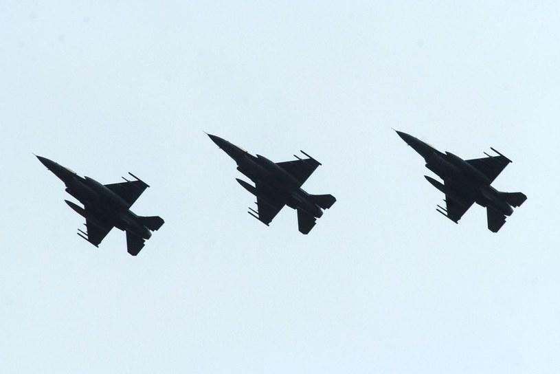 Samoloty F-16 /Witold Rozbicki /Reporter
