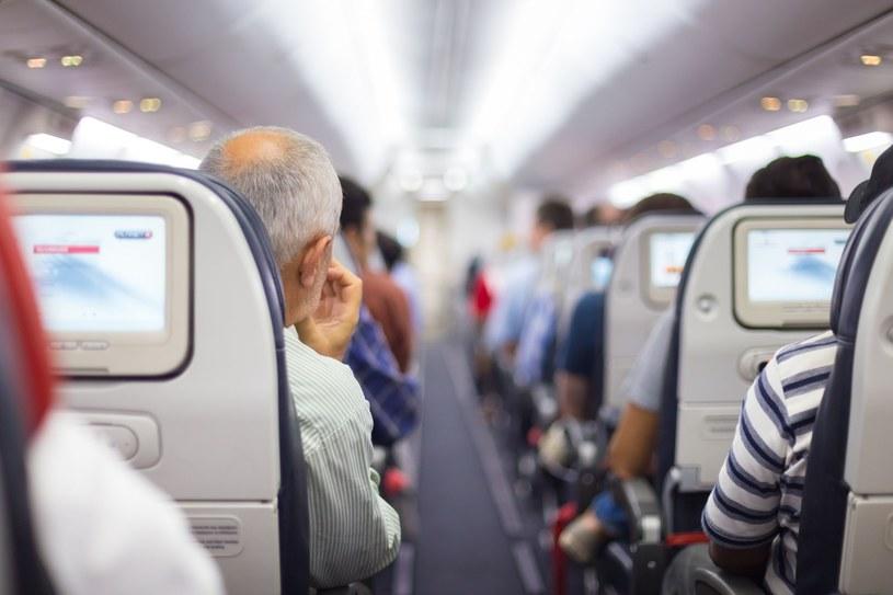 Samoloty w przyszłości mogą być czyszczone za pośrednictwem światła UV /123RF/PICSEL