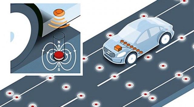 Samonaprowadzające się samochody to przyszłość motoryzacji /materiały prasowe