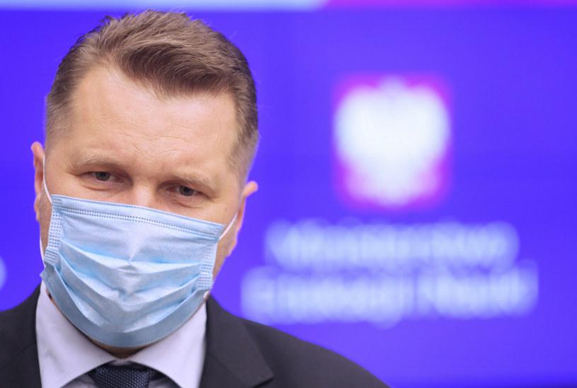 """Samorządowcy, aktywiści, dyrektorzy, nauczyciele i rodzice mówią """"nie"""" zmianom w oświacie / Jakub Kamiński    /East News"""