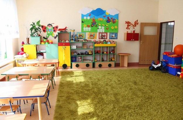 Samorządy obawiają się, że spadnie na nie ciężar sfinansowania tańszych godzin w przedszkolach /RMF
