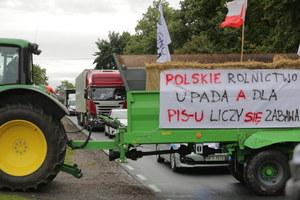 Sampława: Agrounia zablokowała drogę. Protest rolników